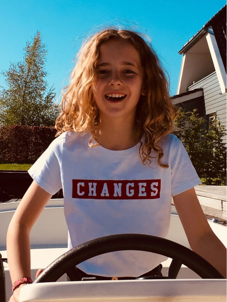 CHANGES TEE red on white – kids